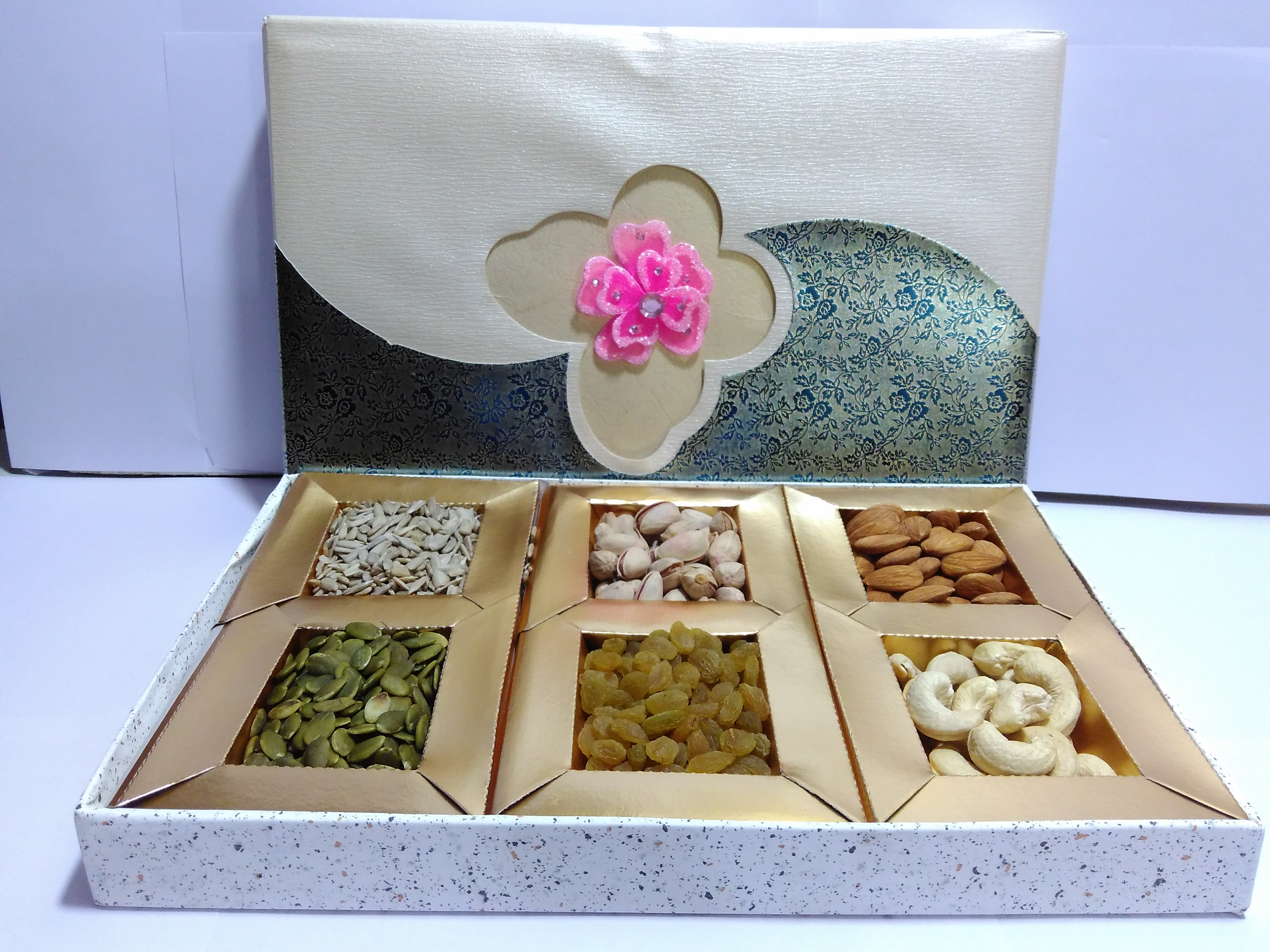 ROSE BOX - DIWALI GIFT BOX'S